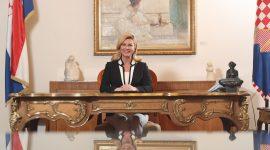 Predsjednica Hrvatske: Kolinda Grabar-Kitarović. Službena fotografija ljubaznošću Ureda predsjednice.